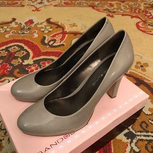 Bandolino grey-nude heels